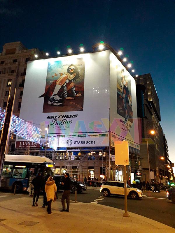 Lona publicitaria Skechers