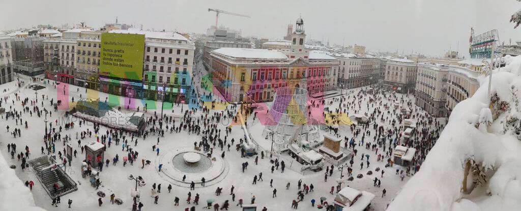 Lona Idealista Puerta del Sol